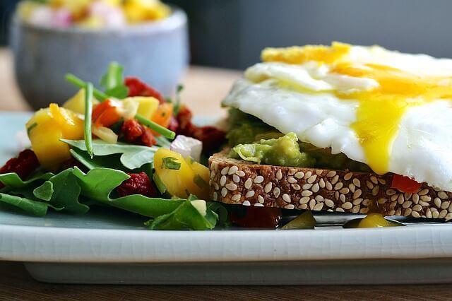 Desayunos saludables con pan